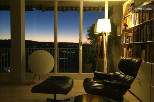 Grand appartement avec déco vintage et vue sur Paris - Lampadaire