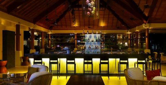 Hotel Hlton Labriz Seychelles - bar exotique