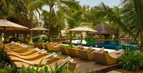 Hotel Hlton Labriz Seychelles - chaises longues