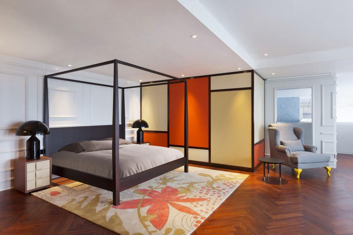 Appartement chinois déco colorée - chambre avec lit à baldaquin