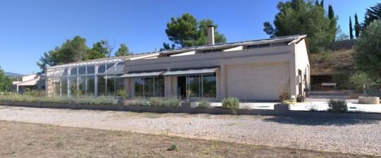 Maison comtemporaine à Azille avec terrasse