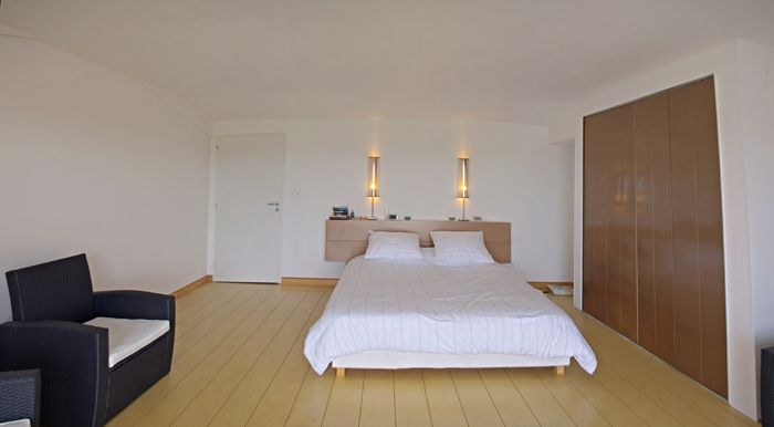 Favori Maison comtemporaine à Azille - chambre avec parquet massif EC55