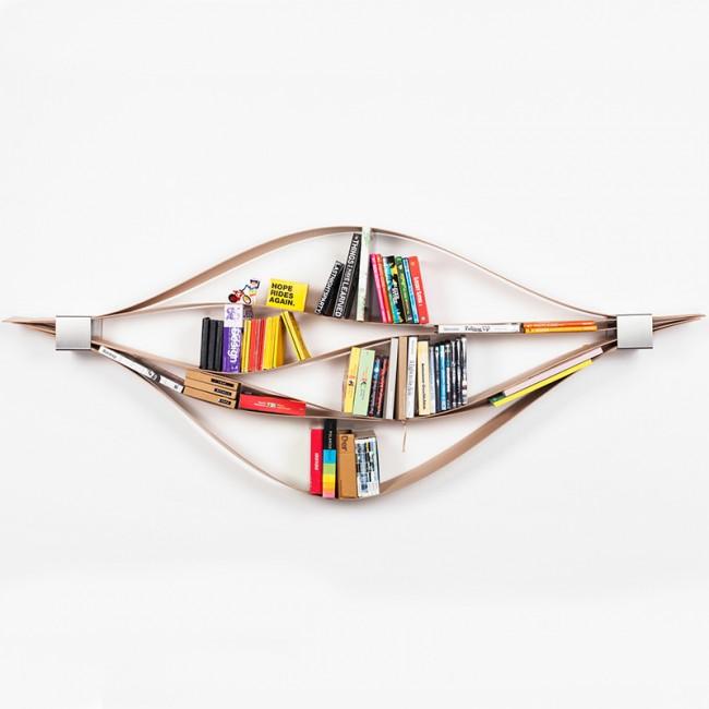 Rangez vos livres en souplesse avec Chuck (l'étagère flexible, pas l'acteur karateka)