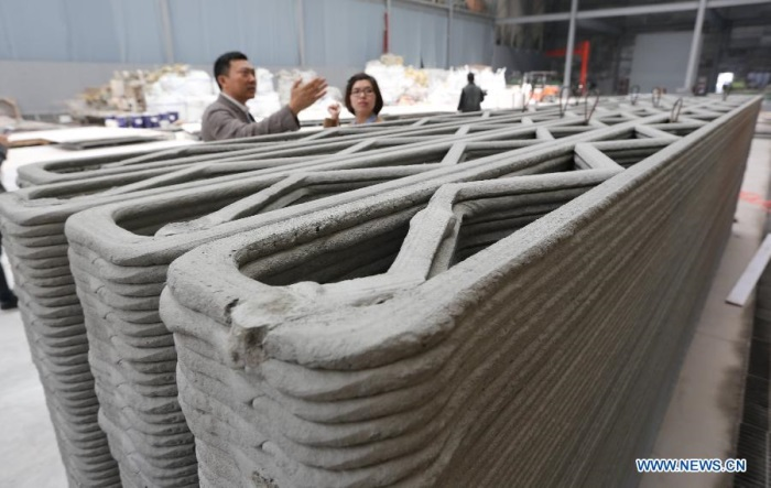 Hallucinant : une société chinoise construit 10 maisons en 24 heures