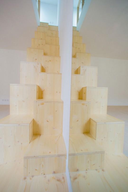 Meuble escalier dans un studio
