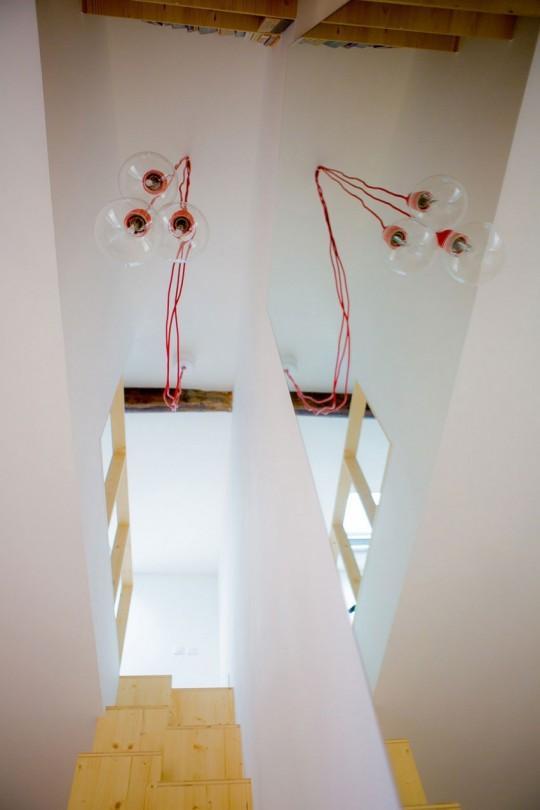 Suspensions ampoules transparentes avec un fil rouge