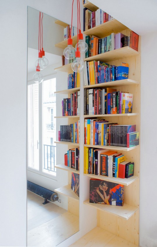 meuble bibliothèque sur-mesure dans un studio à Paris