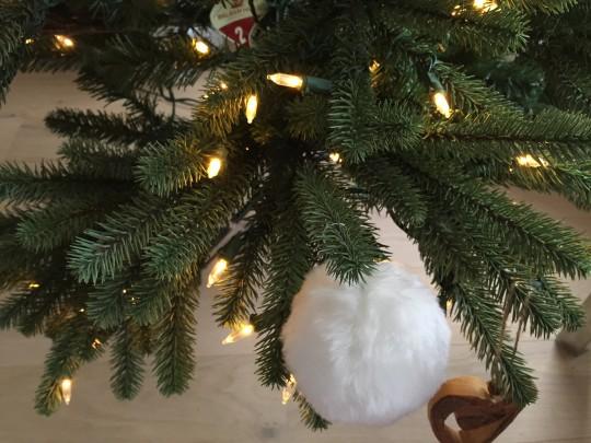 Branches ultra réalistes du sapin de Noël Epicéa bleu royal Balsam Hill