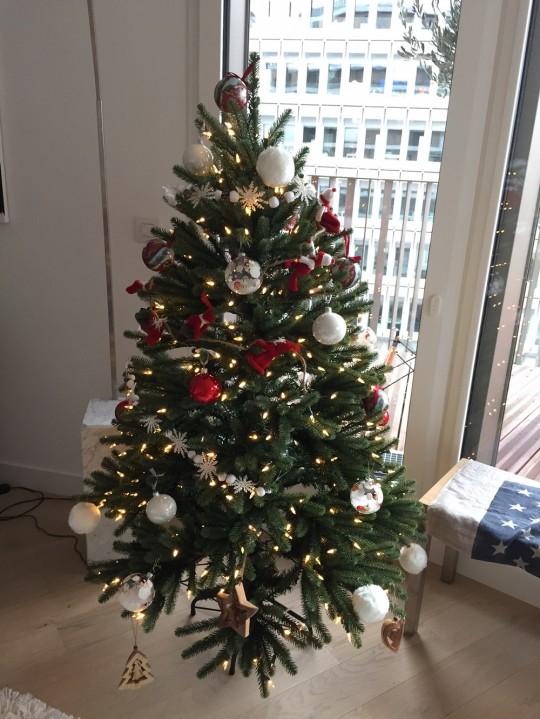 Sapin de Noël artificiel réaliste Epicéa bleu royal Balsam Hill