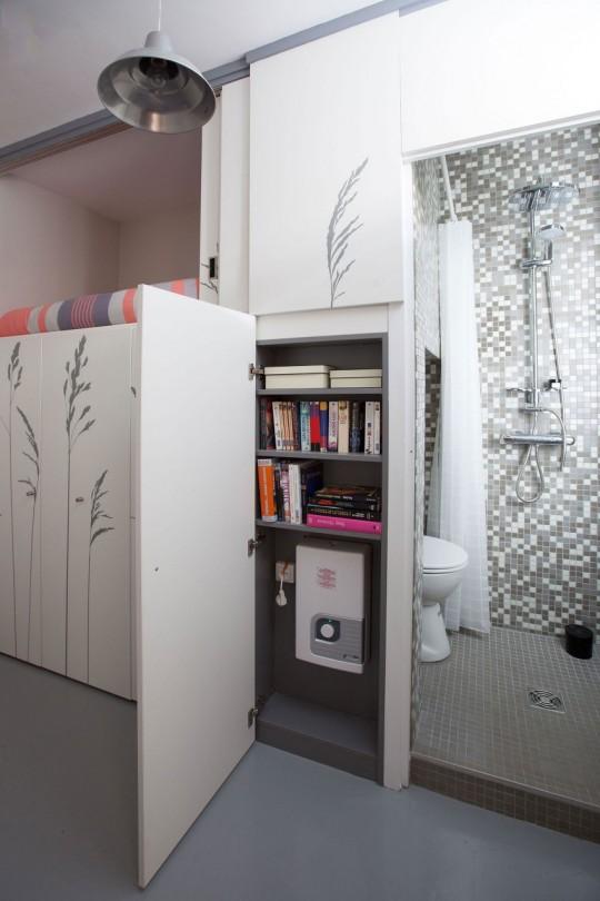 Etagère secrète dans un tout petit appartement