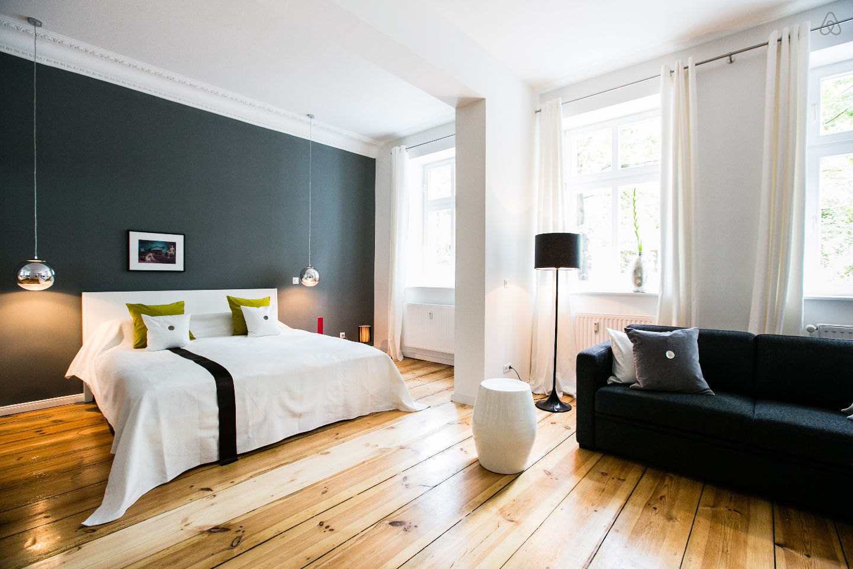 Studio De Luxe Joliment Dcor Et Meubl Avec Des Classiques Design