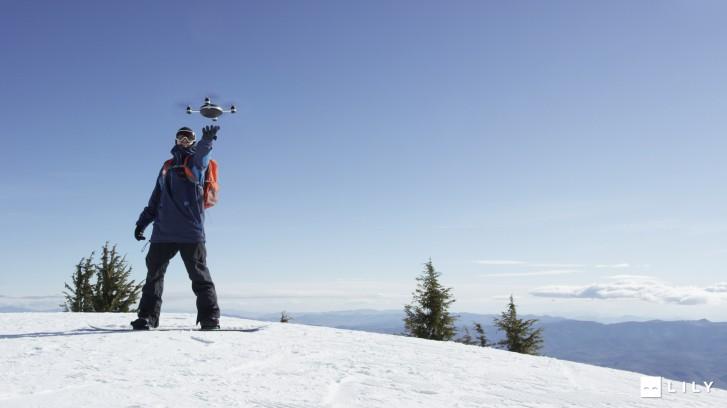 Lancer le drone Lilly pour filmer vos exploits sportifs
