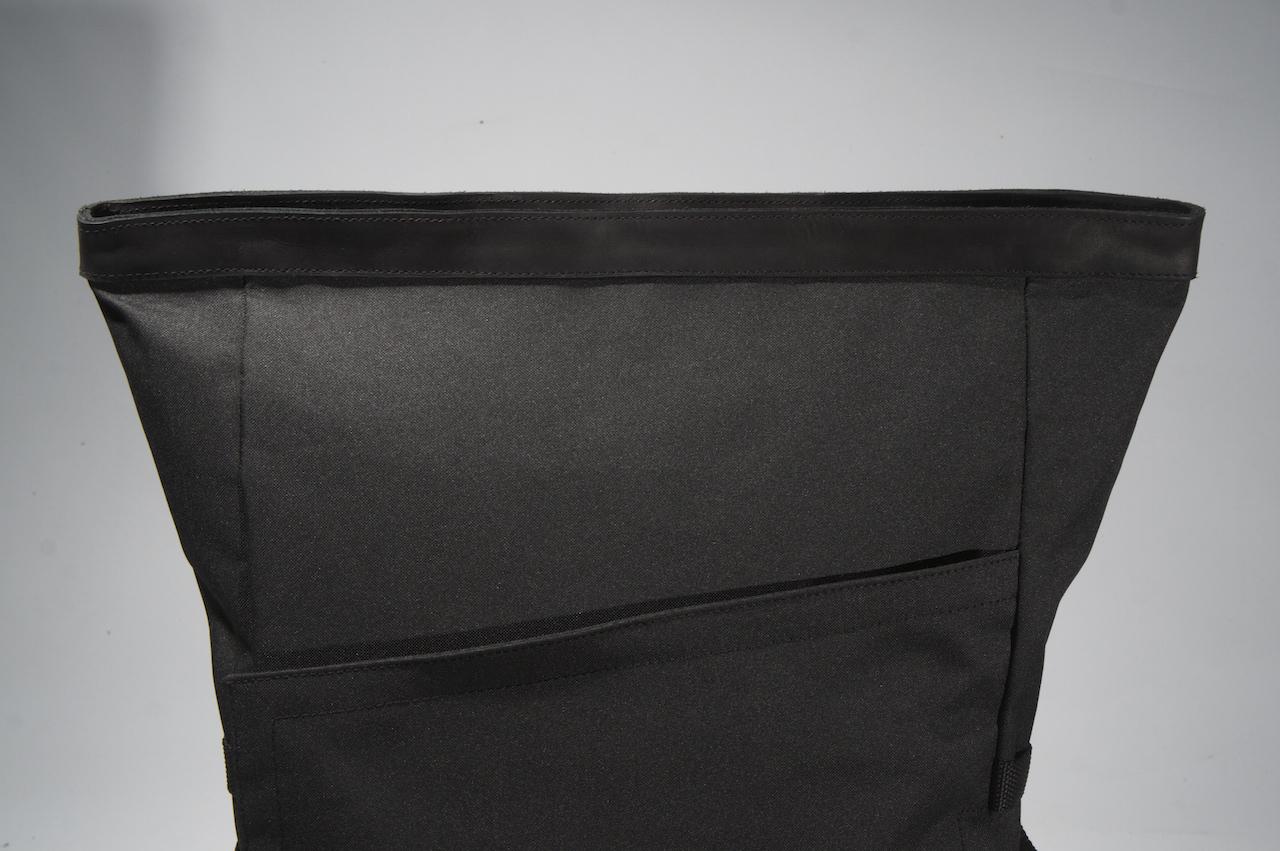 PX invisible backpack photo du haut du sac à dos