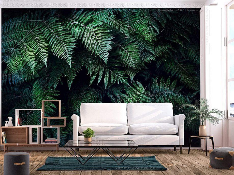 Salon avec un papier-peint avec des fougères géantes