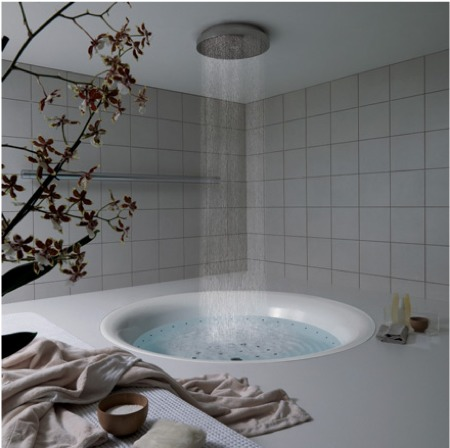 baignoire ronde avec douche effet pluie. Black Bedroom Furniture Sets. Home Design Ideas