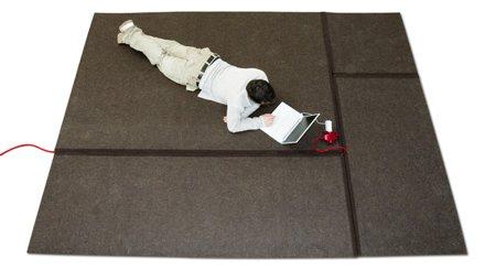 Cablet carpet, le tapis qui cache vos fils électriques