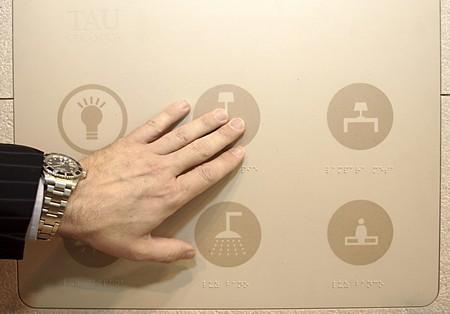 photo carrelage tactile domotique - céramique design high tech
