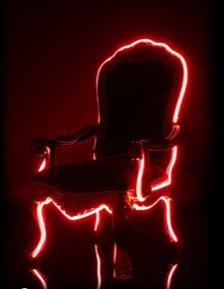 fauteuil Louis XVI médaillon avec néon - Electric Louis