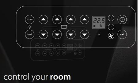 gros plan sur la télécommande tactile Hi can control your room