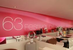 Artravel relooke la plage du Majestic pendant le festival de Cannes