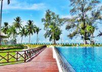 Hotel Sentido Graceland à Khao Lak en Thaïlande – piscine et ponton en bois