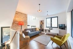 Décoration intérieure : Une maison contemporaine avec une déco rétro