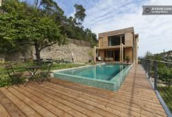 Une villa du 19ème siècle avec une structure en bois résolument moderne