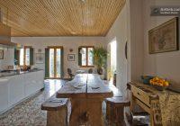 Maison du 19ème siècle – table à manger en bois massif