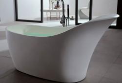 Ma salle de bain design : Osez la baignoire ilot en solid surface !