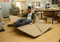 Cay sofa – prototype en bois du fauteuil pliant