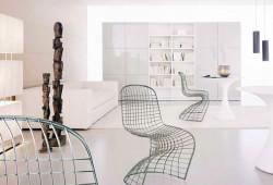 Pantoia : la chaise Panton en fil de fer