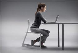Voilà une chaise à bascule empilable vraiment Tip Ton !