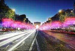 Les illuminations sur les Champs-Elysées pour Noël