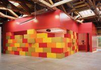 Cubes de couleurs dans le Disney store HQ