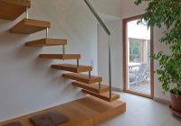 Escalier en bois avec rembarde en aluminium