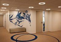 Intérieur des bureaux des Pages Jaunes : Décoration murale contemporaine