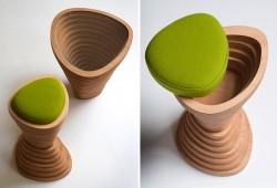 Tabouret en bois Tettonica par Janina Loeve