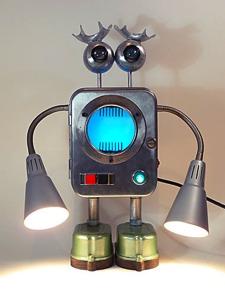 lampe robot récup Kikidesign