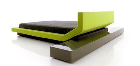 lit double Lipla by Porro avec meuble de chevet design