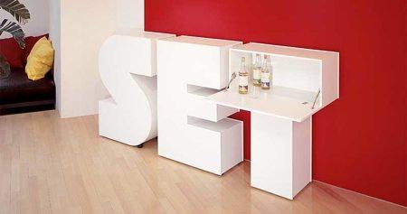 meuble bar en forme de lettre de l'alphabet