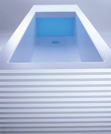 photo du système lumineux intégré dans la baignoire design Line