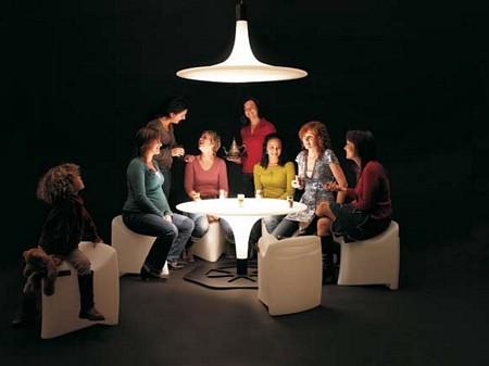 photo de la table de la table et fauteuils lumineux Corral et Bronco