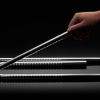 Paperclip, la lampe de bureau en forme de trombone
